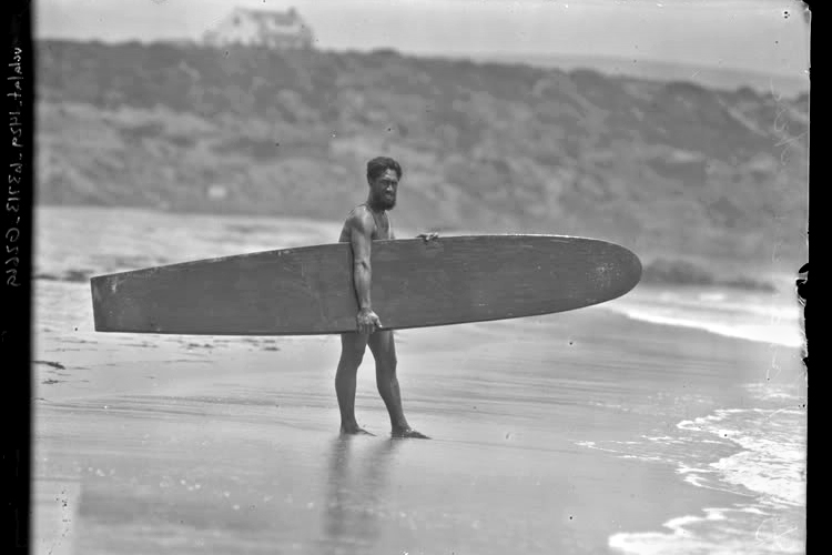 Duke Kahanamoku: ambassador of aloha, waterman, and father of modern surfing | Photo: Photographer Unknown
