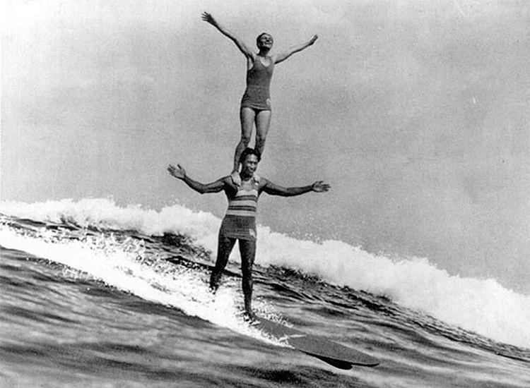 Duke Kahanamoku and Viola Cady: tandem surfing at Laguna Beach