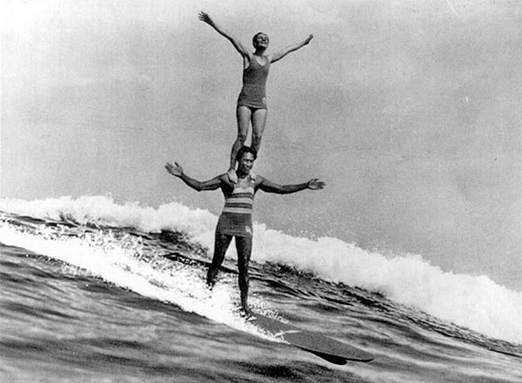 Duke Kahanamoku and Viola Cady: tandem surfing at Laguna Beach