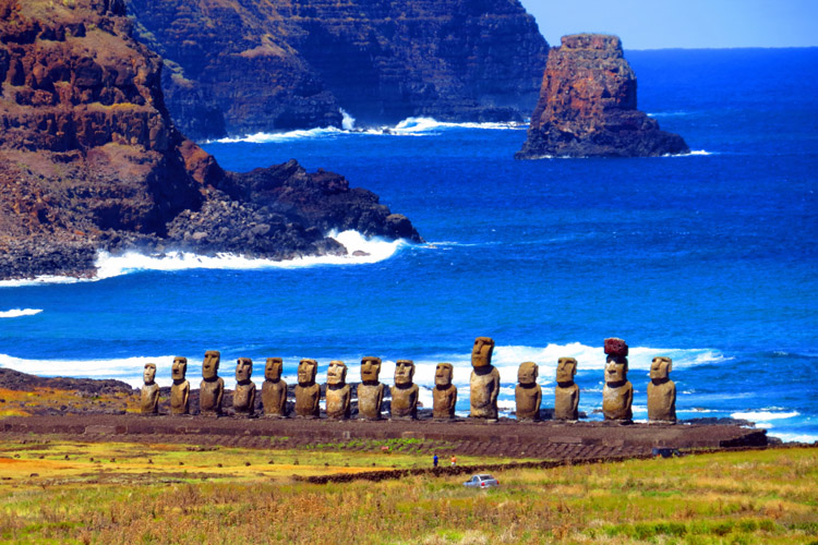Easter Island: home to 887 stone statues | Photo: David Berkowitz/Creative Commons