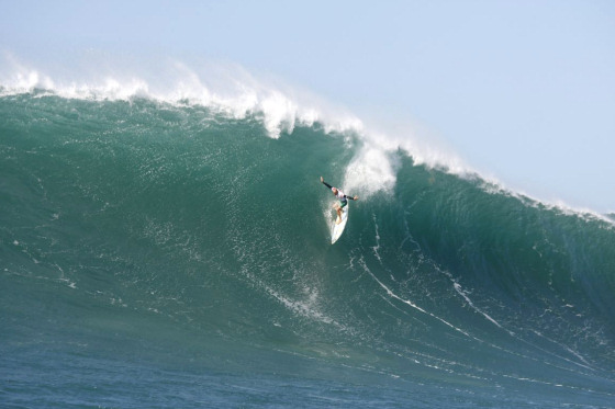 The Quiksilver In Memory of Eddie Aikau: 25 feet or more