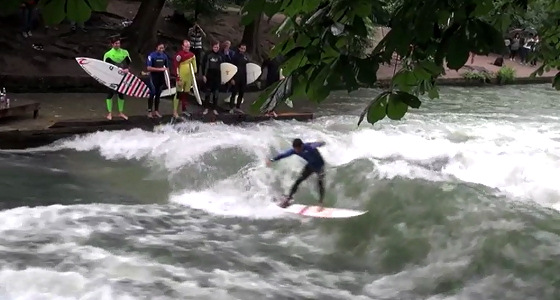 Eisbach, Munich: Gabriel Medina and Adriano de Souza learn to surf in Germany
