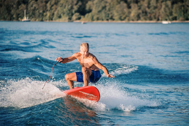 Jet boards: paddle faster and catch waves easier | Photo: Waterwolf