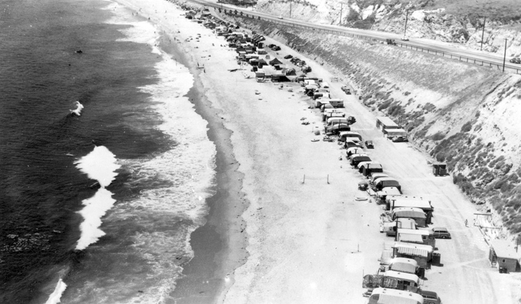 El Morro Beach: used as a trailer park back in the 1940s | Photo: Orange County Archives/Creative Commons