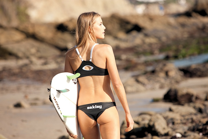 Erica Hosseini: surfer and model, of course