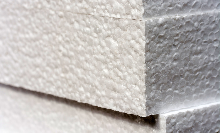 Polystyrene (PS) and Expanded Polystyrene (EPS): a light surfboard core material that features small foam balls | Photo: Shutterstock