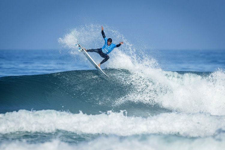 Ezekiel Lau: winner of the 2017 Billabong Pro Cascais | Photo: Poullenot/WSL