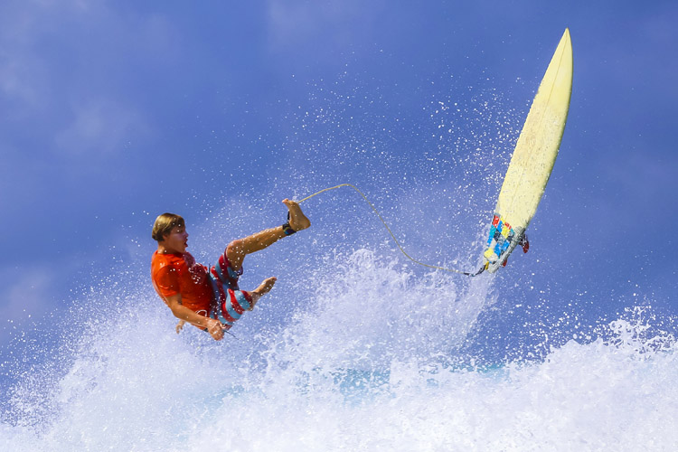 Surfing: know how to fall off a surfboard safely | Photo: Shutterstock