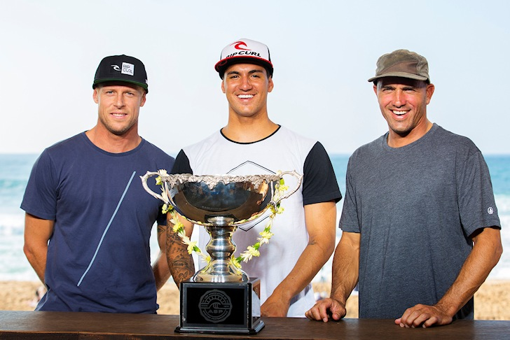 Mick Fanning, Gabriel Medina and Kelly Slater: smiling before the battle | Photo: ASP/Kirstin Scholtz