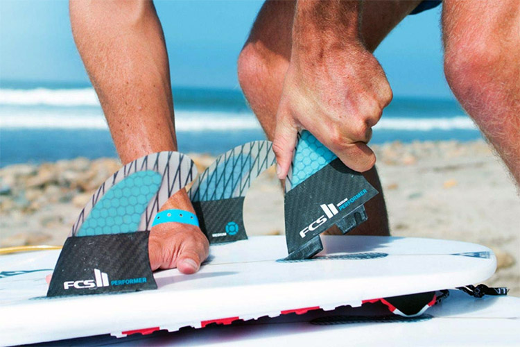 FCS II: learn how to quickly install and remove your fins | Photo: FCS