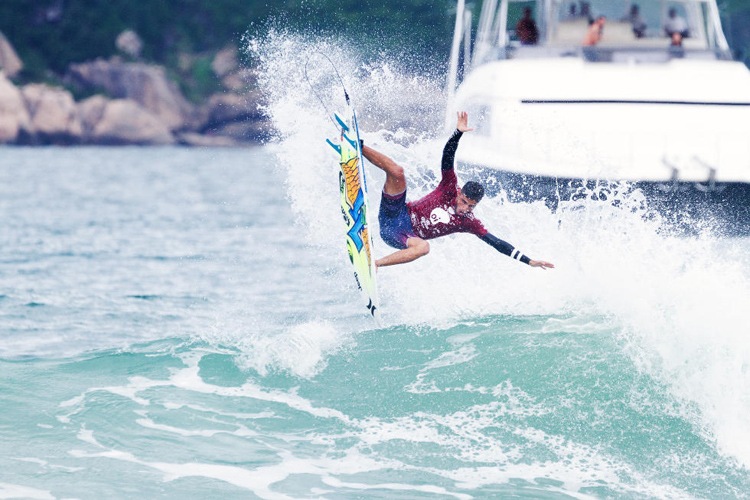 Filipe Toledo: doing his own thing | Photo: Smorigo/WSL