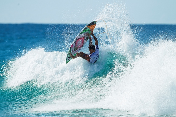 It Was A Marathon Of Surfing The Quiksilver Pro Gold Coast 2015 Has Reached Quarterfinals Not Without Major Upsets Gabriel Medina Kelly Slater