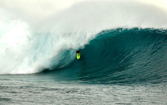 Filthy Friday: Fiji opens the Cloudbreak surf book of big waves