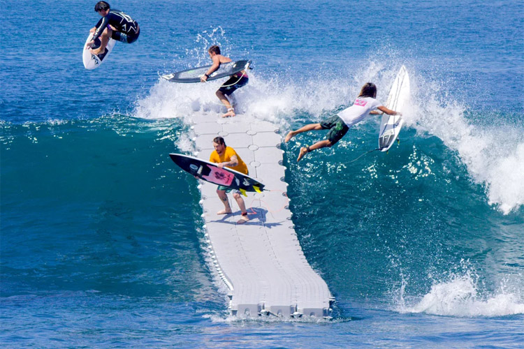 The Dock: paddling is history, just jump into the wave | Photo: Volcom/Stab