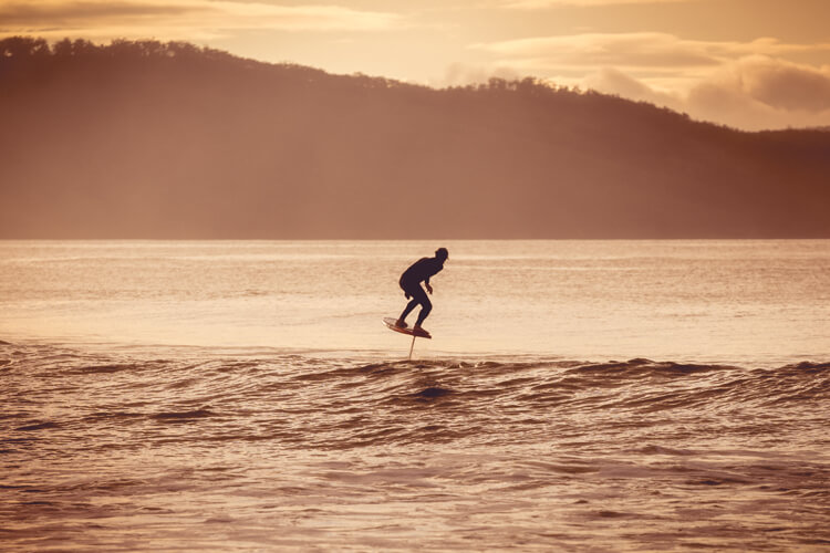 Foil surfboards: they should not be ridden in crowded surf breaks | Photo: Shutterstock