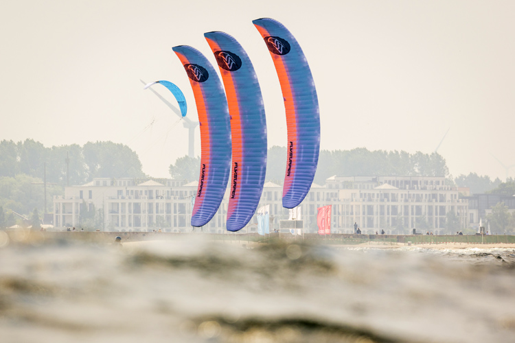 Guy Bridge and Daniela Moroz crowned 2018 Formula Kite European champions