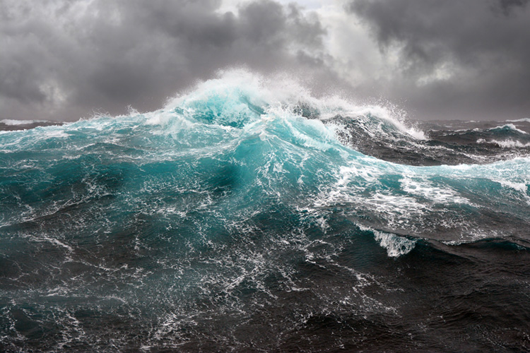 Rogue waves: they're big, relatively unpredictable, and extremely dangerous | Photo: Shutterstock