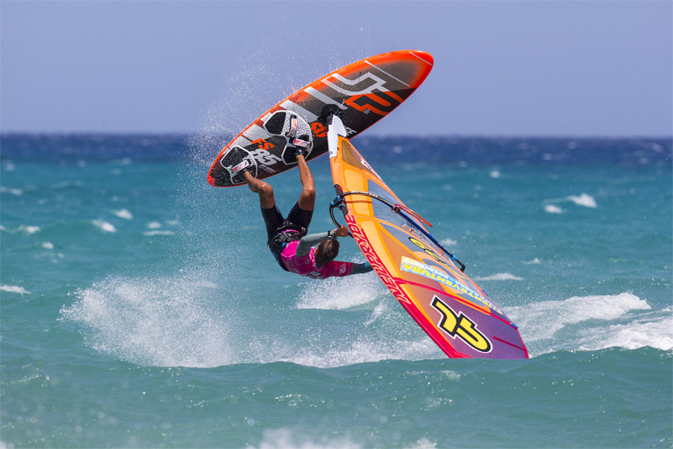 Freestyle Windsurfing: it's all about tricks and maneuvers | Photo: Carter/PWA