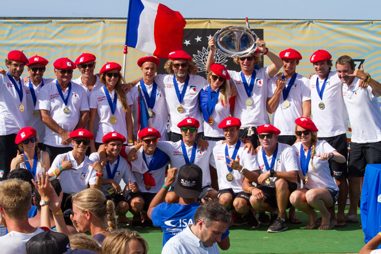Team France: gold medal at the 2016 ISA World Junior Surfing Championship | Photo: Rezendes/ISA