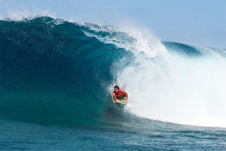 Five bodyboarders chase the world title at El Fronton