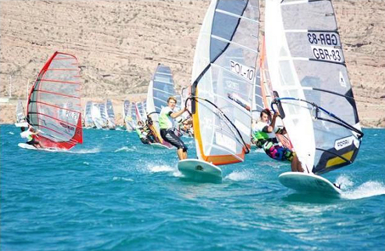 Formula Windsurfing: windsurfers chasing the finish line
