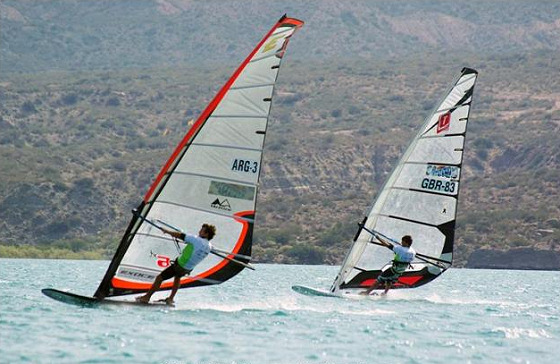Formula Windsurfing: wind never gives up
