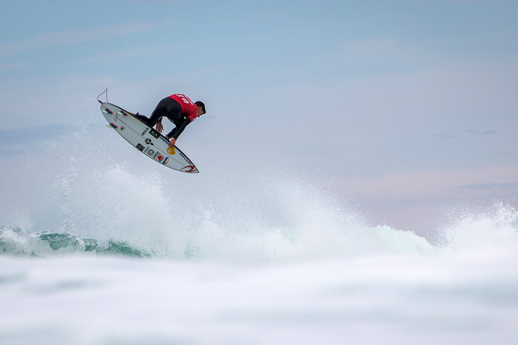 Gabriel Medina: one of the biggest airs of his career | Photo: Poullenot/WSL