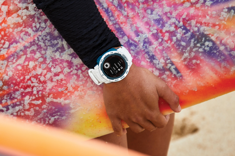 Garmin Instinct Solar Surf: the solar-powered smartwatch has a battery life of up to 50 days | Photo: Garmin