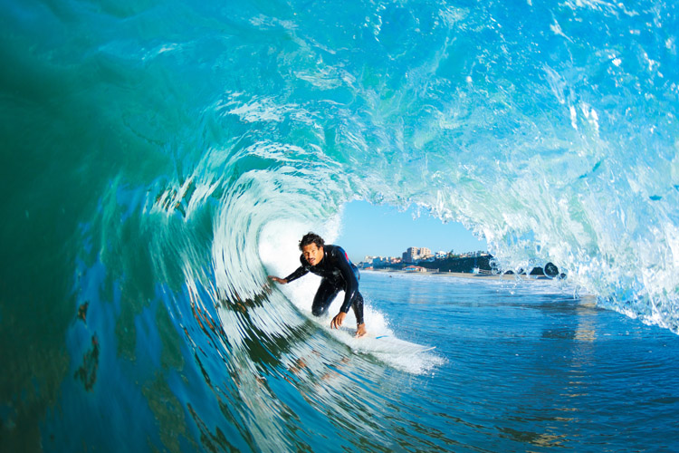 Getting barreled: sometimes it's hard to pull into the first tube | Photo: Shutterstock
