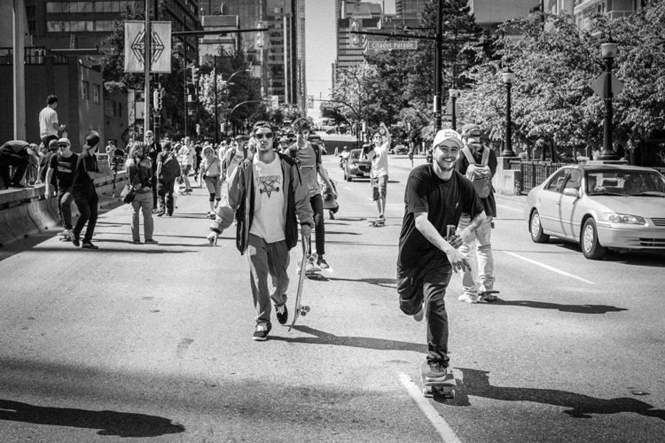 Go Skateboarding Day: load your backpack and go skating from dawn to dusk | Photo: Red Bull