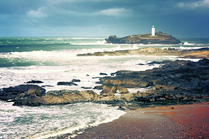 Godrevy: great waves, polluted waters | Photo: Alice Rosen