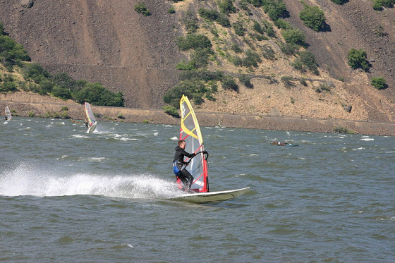 Windsurfing in Gorge: you can win awards, here!