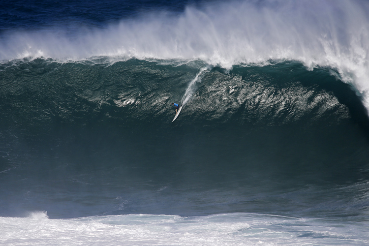 Grant Baker Wins Ride Of The Year At 2019 Wsl Big Wave Awards