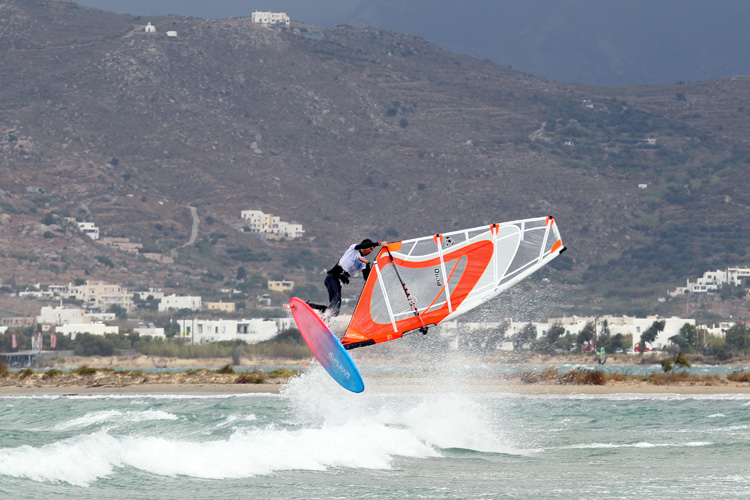 2015 Greek Freestyle Windsurf Tour: going for broke at Naxos | Photo: GFWT