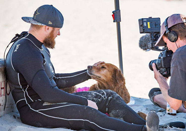 Persons B. Griffith: the retired Marine Staff Sergeant says Ricochet has soul vision | Photo: Surf Dog Ricochet