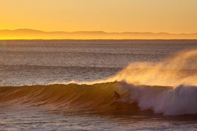 Groundswell: surfers prefer long-period waves | Photo: Shutterstock