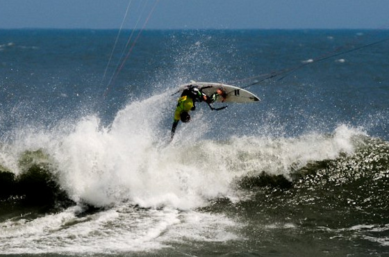 Guilly Brandao: this is wave kiteboarding