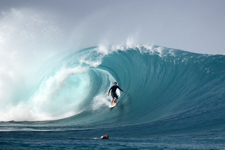 Gustavo Deutrich: finding heaven at Mentawai