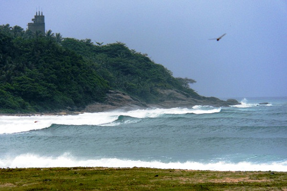 Hainan Island: China has surfing potential