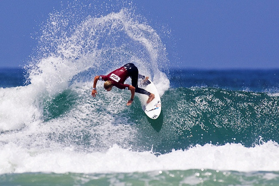 Joel Parkinson and Mick Fanning will heat up the 2009 Hang Loose Pro in Brazil
