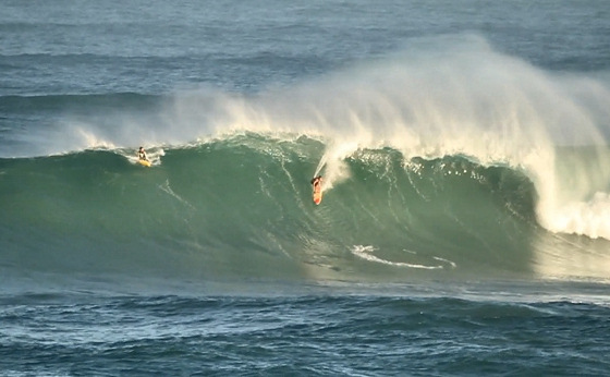 Hawaii: the winter surfing season is open for business