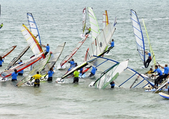 Hayling Island Windsurf Race: traffic jam guaranteed | Photo: Hayling Today