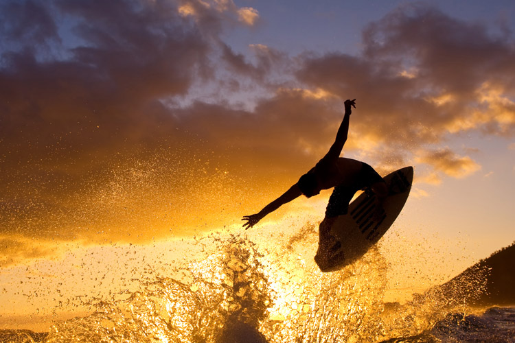 Skimboarding: the sport was invented around 1920 in Laguna Beach | Photo: Shutterstock