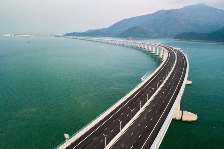 Hong Kong-Zhuhai-Macau Bridge: the world's longest sea-crossing bridge