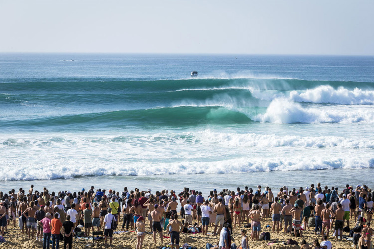 Hossegor: a barreling machine | Photo: Poullenot/WSL