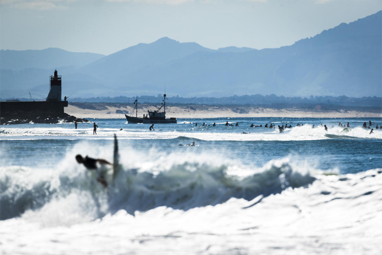 Hossegor: a popular stretch of surfing beaches | Poullenot/WSL