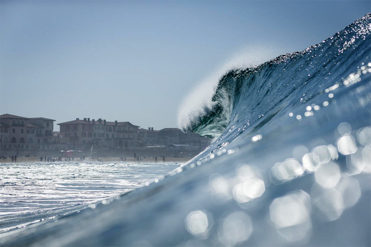 Hossegor: 1.7 miles of perfect beach break waves | Photo: Poullenot/WSL