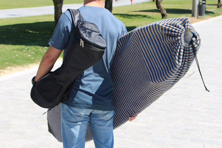 HX Phantom Hoverboard: it comes with a bag for easy carrying | Photo: SurferToday
