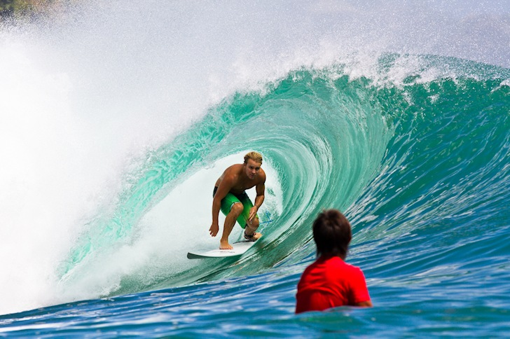 Getting barreled: keep up that speed | Photo: Rip Curl/Mick Curley
