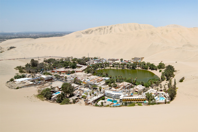 Sand dunes of Huacachina, Peru | Photo: Creative Commons